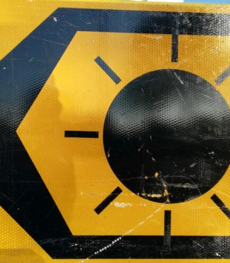 Wat betekenen deze verkeersborden met een zon erop?