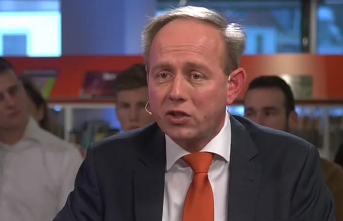 Kees van der Staaij aan het woord in de ZB in Middelburg.