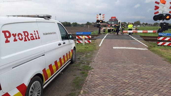 Trein botst tegen auto: persoon overleden, geen treinen tussen Roosendaal en Bergen op Zoom