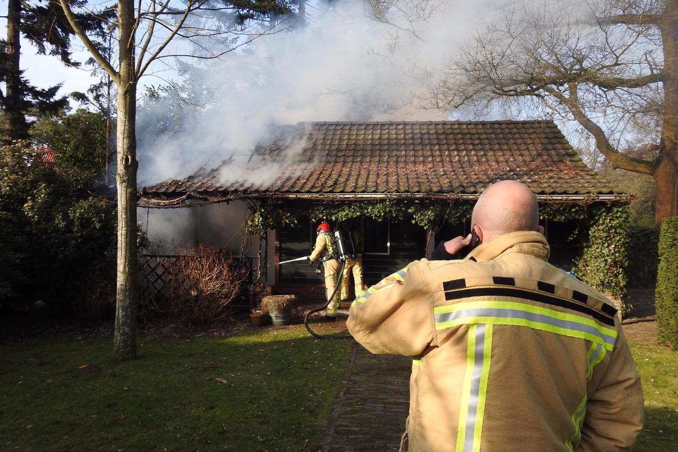 Brand in garage aan de Nachtegaallaan in Valkenswaard.
