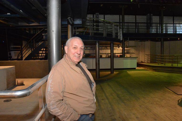 Walter Vermeulen volgt de werken in het complex nauwgezet op