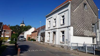 """Oud schoolgebouw Den Top onder vraagprijs verkocht: """"V3 Invest had niet het hoogste bod, maar wel het beste project voor de buurt"""""""