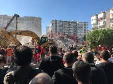 Reddingsactie na aardbeving Izmir: 'Klop terug als je dit hoort!'