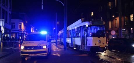 Vrouw (55) in levensgevaar na ongeval met tram in Hoboken