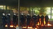 Politiemacht trotseert molotovcocktails, rookbommen en 'manifestanten' tijdens grote tactische training