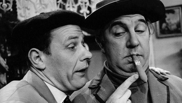 Pieter Lutz (links) en Lex Goudsmid in de KRO-serie 'Villa Sidonia' in 1965. Foto ANP Beeld