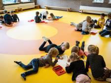 Hoosbui verdrijft stoepkrijtende kinderen school Willemsoord naar binnen
