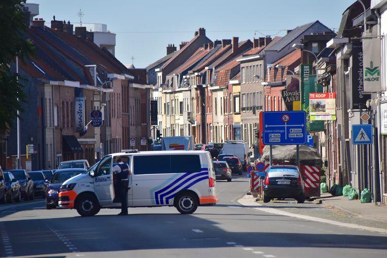 Door de breuk aan de bovenleidingen was er plaatselijk geen verkeer mogelijk in de Bruggestraat.