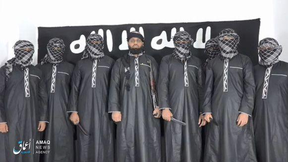 Dit zijn volgens IS de daders van de terreuraanslagen in Sri Lanka.