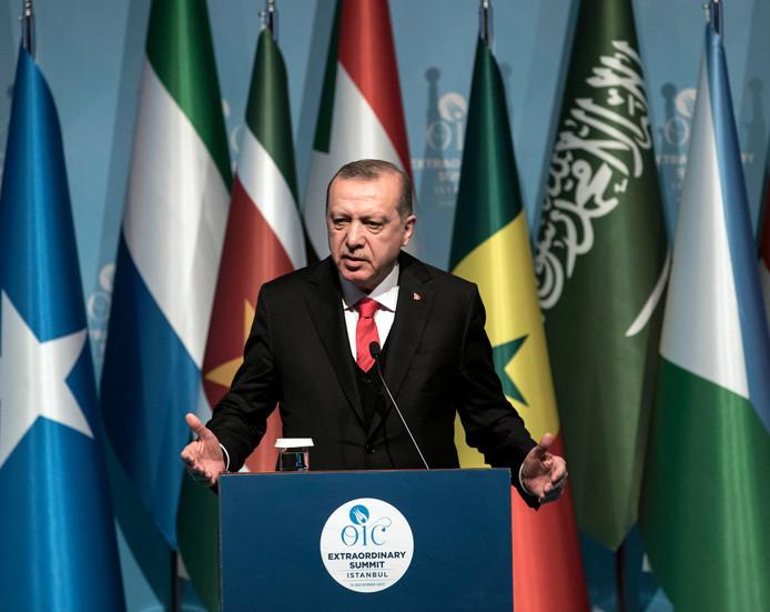 De Turkse President Recep Tayyip Erdogan tijdens de top van de Organisatie voor Islamitische Samenwerking.