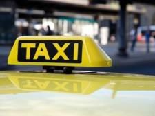 Taxistandplaats verhuist van Langestraat naar Stadhuisplein