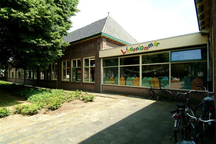 Archieffoto van De Lindenlommer in Hoeven.