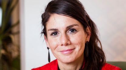 "VRT-nieuwsanker Fatma Taspinar: ""Groepje tieners roept 'Allahu Akbar, weg met makakken'. Aanspreken of niet?"""