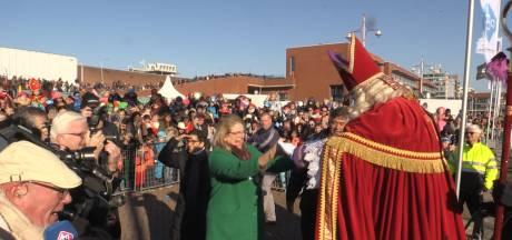 PvdA en GroenLinks keuren geweld af en vertrouwen nog steeds op leuke intocht Sinterklaas