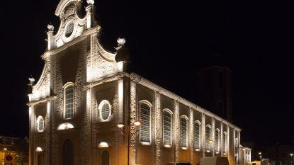 Gemeente test nieuwe kerkverlichting uit