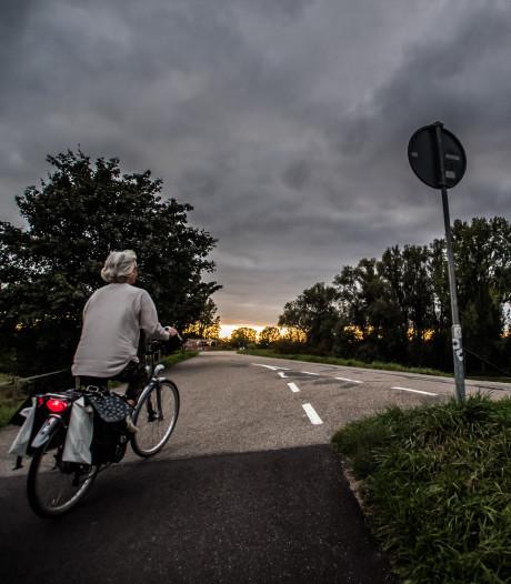 Burgemeesters in gesprek over onveilige fietsdijk tussen Arnhem en Huissen