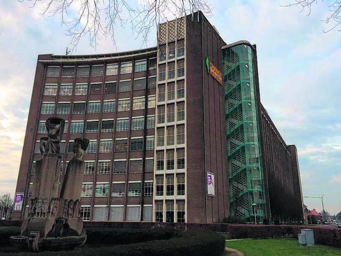 De voormalige Philips Bedrijfsschool, nu Summa College, mag de komende jaren omgebouwd worden tot woningen.
