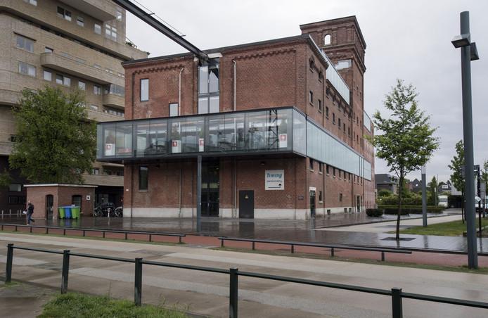 Het Balengebouw in Roombeek biedt onderdak aan de commerciële afdeling en een deel van de redactie