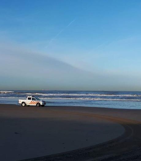 Mysterieuze gele korrels op Wassenaarse strand