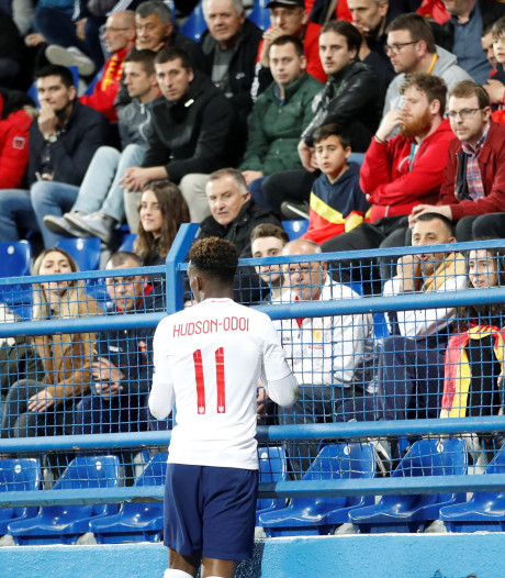 UEFA opent onderzoek naar racisme Montenegro