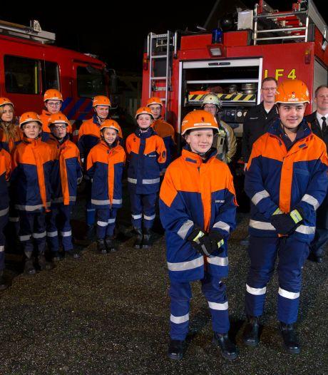 Thijmen en Damon zijn eerste Nederlanders bij Duitse jeugdbrandweer: 'De taal spreek ik niet'