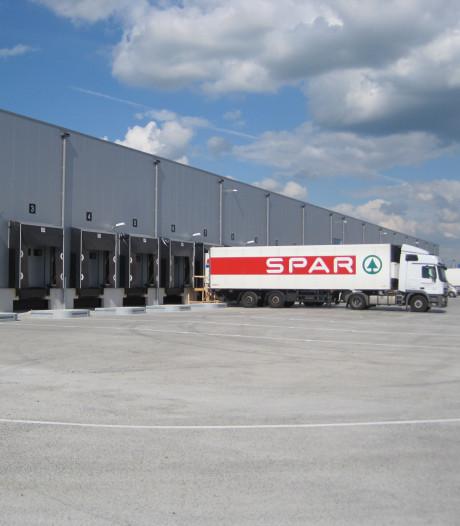 Supermarktketen Spar neemt magazijn Xenos in Waalwijk over