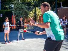 Kwetsbare kinderen tennissen bij Los Amigos: 'Elk kind krijgt de aandacht die het nodig heeft'
