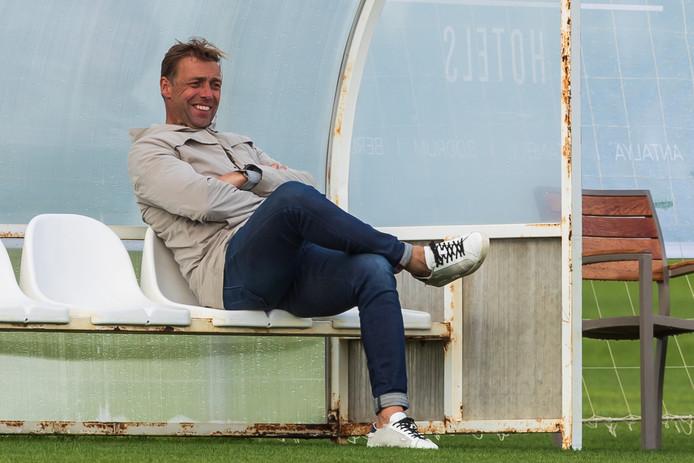 Technisch manager Paul Bosvelt heeft een grote schoonmaak gehouden in de selectie van Go Ahead Eagles. Liefst zestien spelers vertrokken in 2019 uit Deventer.
