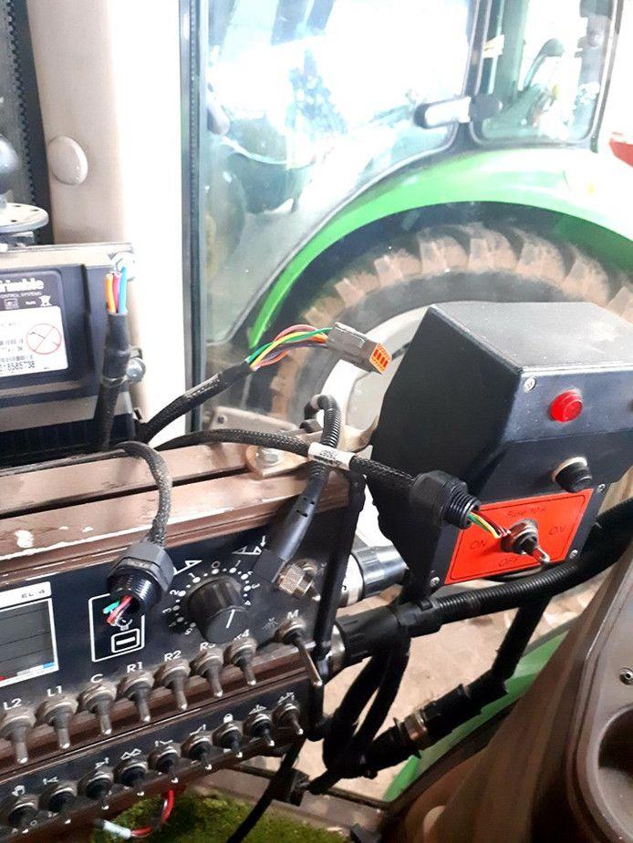 Tractor waaruit een GPS-systeem is gestolen.