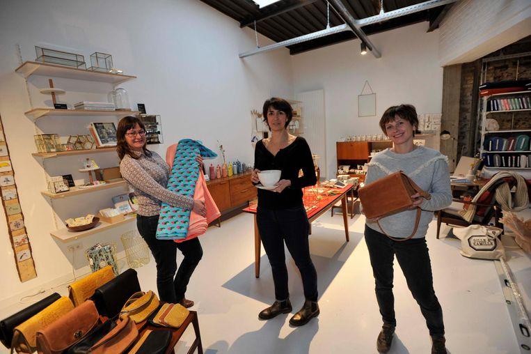 Nancy Moerenhout (links), Séverine Dargent en Kim Craenen zijn de uitbaters van de drie vaste winkels in Bazaar.