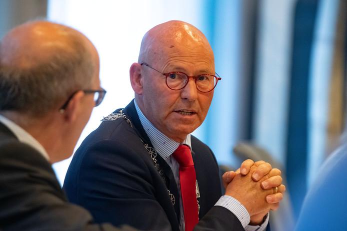 Burgemeester Bort Koelewijn van Kampen