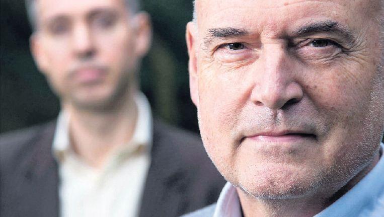 Herman Wijffels (rechts) en Martijn Lampert stellen vast dat mensen zich instellen op soberder leven, en minder eenzijdig gericht zijn op consumeren. Beeld Werry Crone