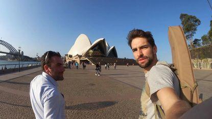"""""""Niet hetzelfde als een Orvalleke"""": net in Sydney en Arne zit al aan het bier (en probeert optreden in Opera House te fixen)"""