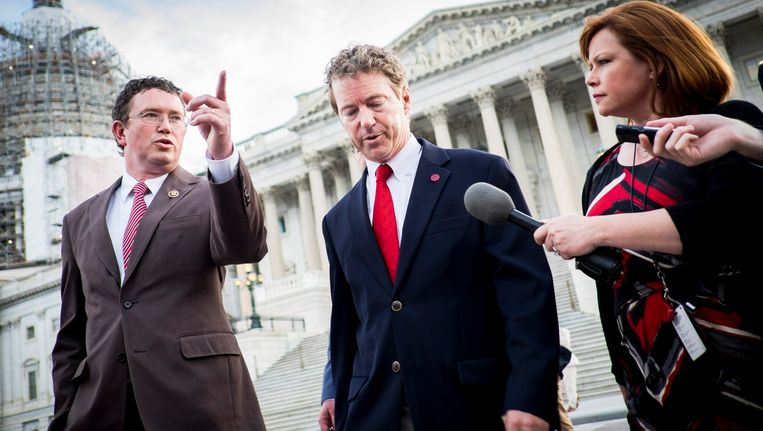 Senator Rand Paul (midden) in Washington. Beeld EPA