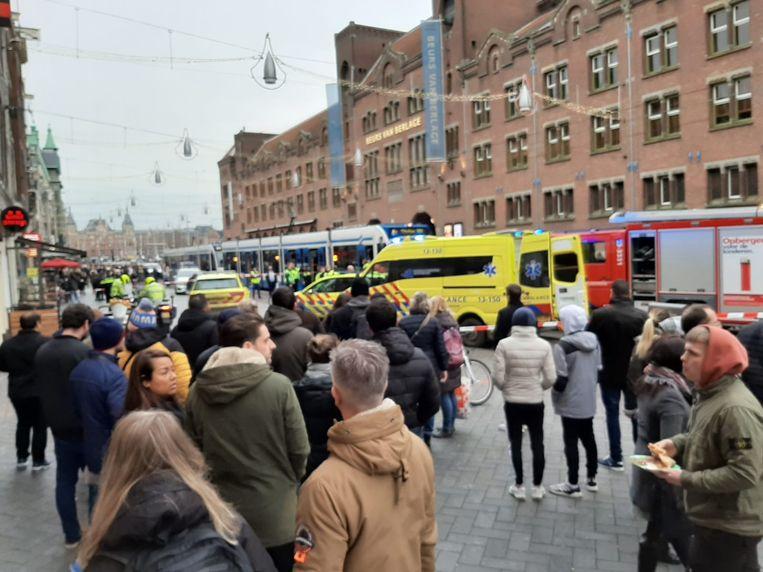 Het incident trekt veel bekijks. Beeld Marc Kruyswijk