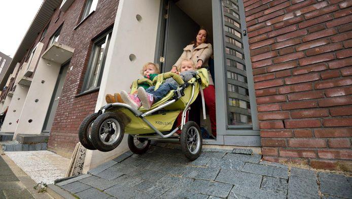 Jildou Schep heeft bijna een glijbaan voor de deur omdat ze anders haar huis niet meer in komt.