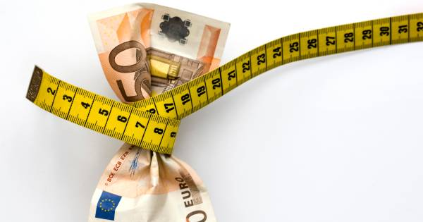 Bezuinigen is uit, schulden maken is in: vanwaar die ommezwaai? - De Gelderlander