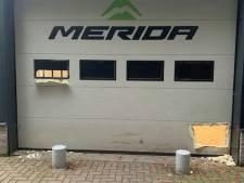 Twintig peperdure racefietsen gestolen in Apeldoorn: 'Camera's vooraf met verf dichtgesmeerd'