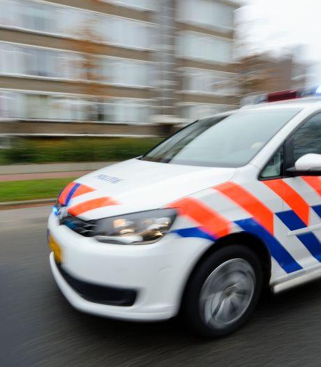 Demonstratie tegen coronaregels in Velsen na twaalf minuten beëindigd door burgemeester