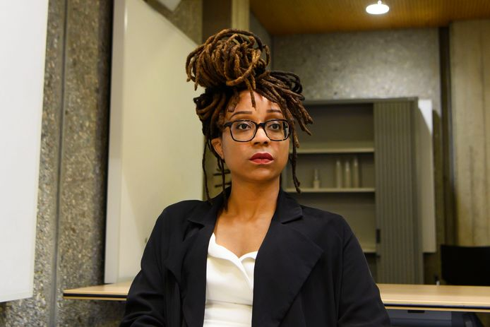 Clarice Gargard bij de rechtbank tijdens de zitting.