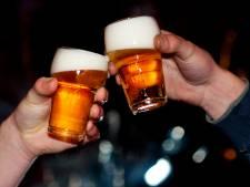 Mannen zijn zo dronken dat blaastest-apparaat van politie het begeeft