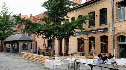 Club Riba op Vismarkt opent pas in het najaar, maar een drankje op het terras kan nu al