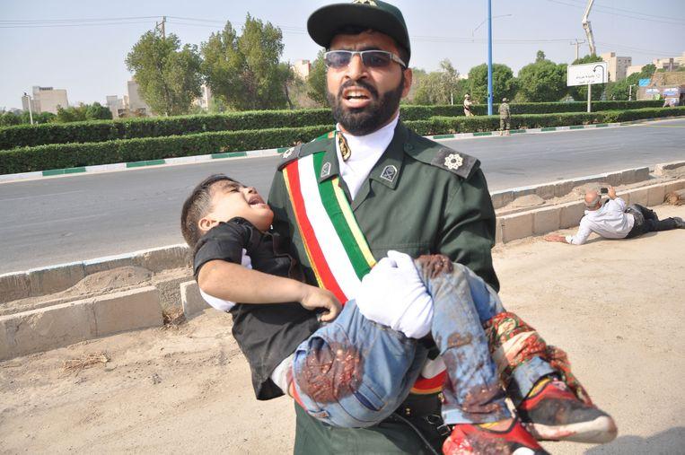 Een slachtoffer van de aanslag in Ahvaz.