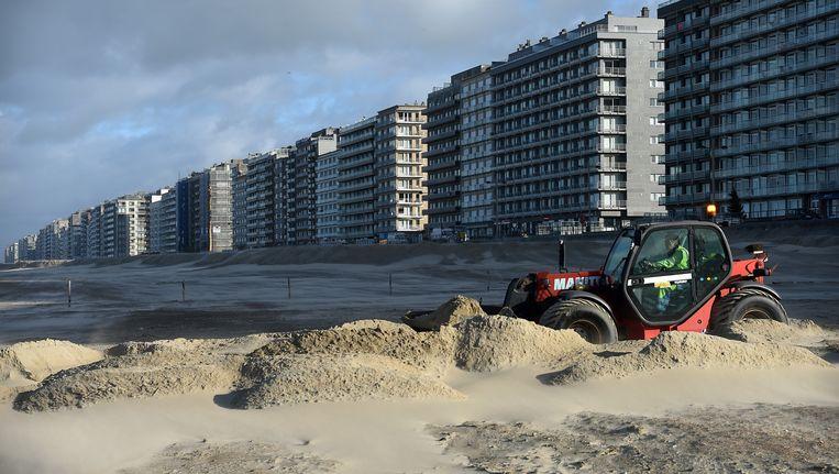 Middelkerke. Na de Eerste Wereldoorlog werden aan de Vlaamse kust de eerste villa's gebouwd. Na de Tweede Wereldoorlog volgden appartementencomplexen, in de jaren zeventig deels vervangen door hoge flats. Beeld Marcel van den Bergh / de Volkskrant