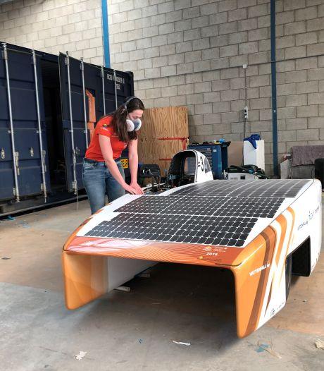Delftse zonneauto gaat op zonovergoten dag voor wereldrecord