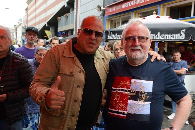 Afscheid van volkscafé In De Toewip met Sergio en cafébaas Paul Aerts.