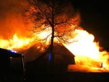 Eigenaar afgebrande woonboerderij Nistelrode: 'Heb m'n jas nog niet kunnen redden'