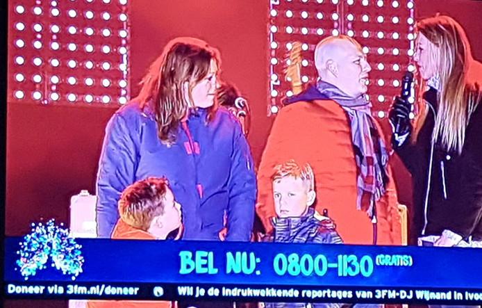 Tijn stond zaterdagavond samen met zijn ouders en broertje op het podium in Breda.