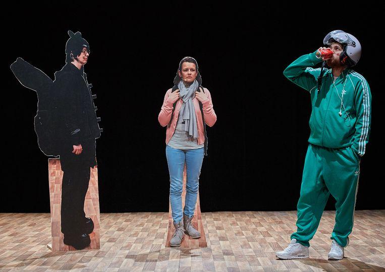 Scène uit (…..) Een voorstelling die schijt heeft aan zijn eigen vage titel. Beeld Jörg Baumann