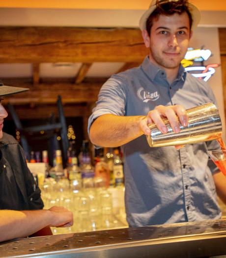Tilburgse horecagelegenheid paait nieuw personeel met gratis reis naar Ibiza
